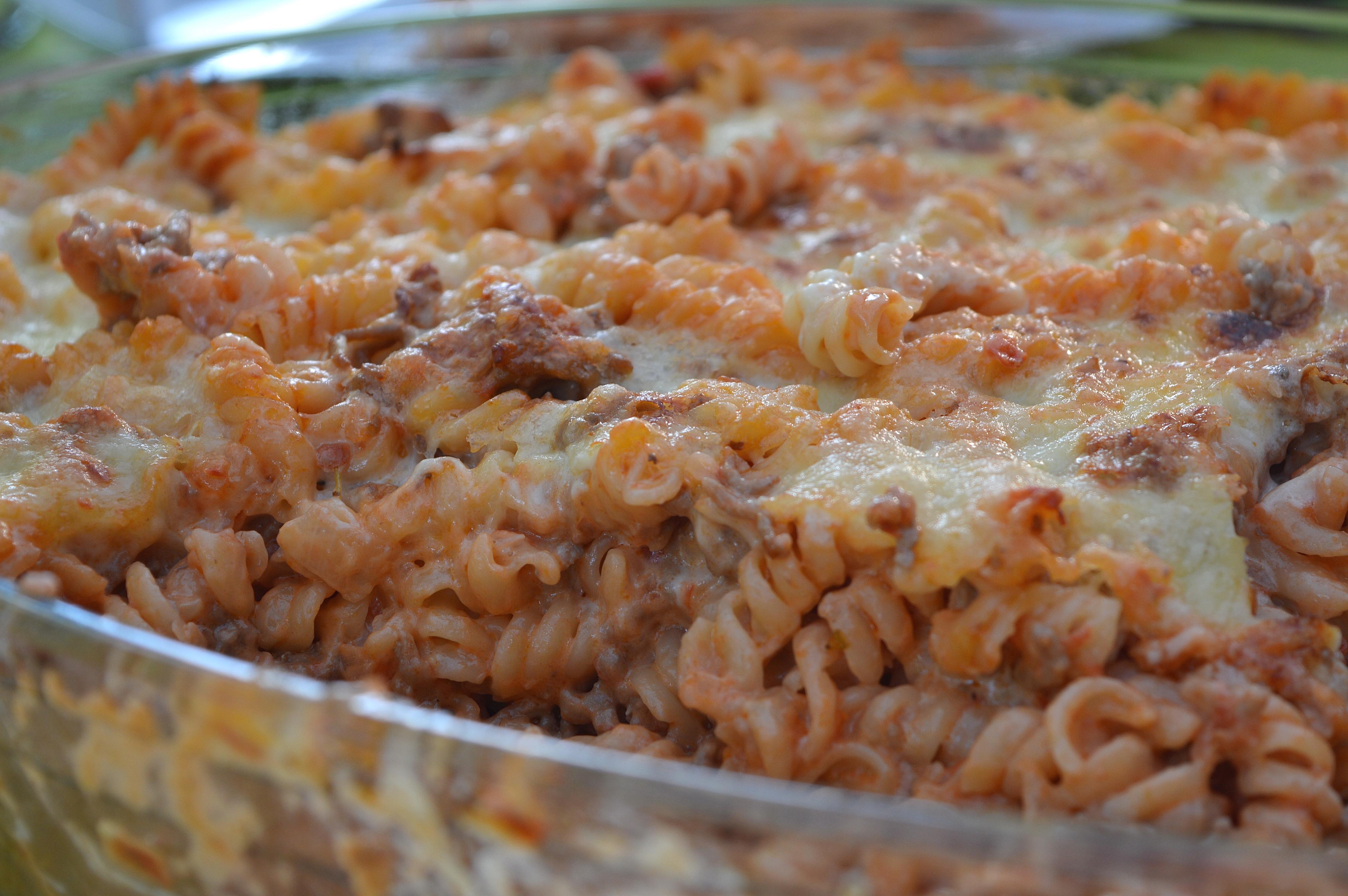 krämig pastagratäng med köttfärs