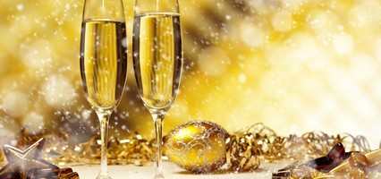 happy-new-year-snow-over-glasses-of-champagne-hd-free-photos-137297
