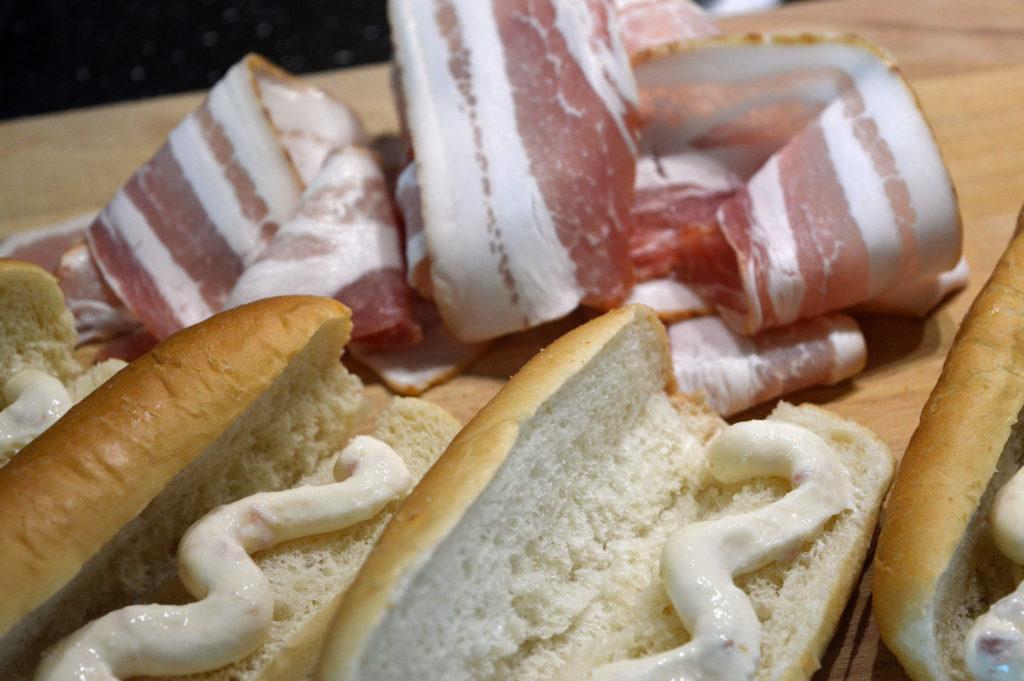 Baconlindade korvbröd med mjukost 2