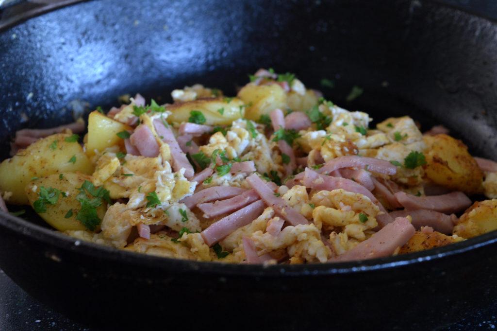 potatis-skinkpytt-med-agg-4
