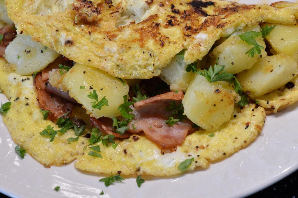 omelett-med-potatis-kalkonbacon-3