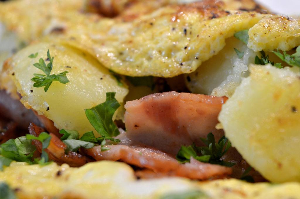 omelett-med-potatis-kalkonbacon-4
