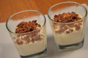 vit-chokladmousse-med-daim